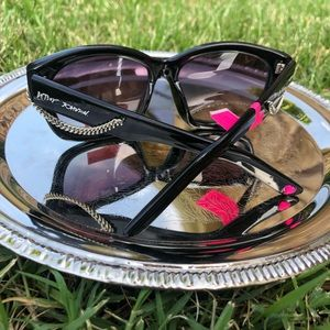 Betsey Johnson Sunglasses BLACK with Chain